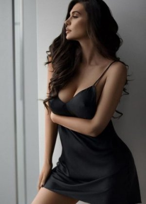 Djoulia outcall escort in Derby, KS